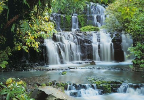 Komar Pura Kaunui Falls 8-256 poszter