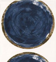 Casadeco Idylle 83816506 VOLTA BLUE/OR design művészi geometrikus óriás körök fehér mélykék csillogó arany szegély tapéta