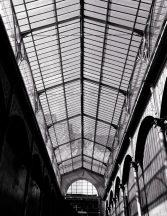 Rasch Factory IV 940916 Natur/Ipari design Régi gyárépület impozáns üvegtetővel szürke fekete fehér falpanel