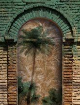As-Creation Metropolitan Stories II, DD118827 Etno Pálmamotívum keleti stílusú boltívben zöld barna bézs falpanel